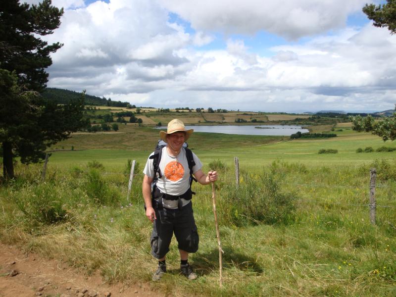 Peter voor een meertje op de chemin de Stevenson. Maar waar precies?