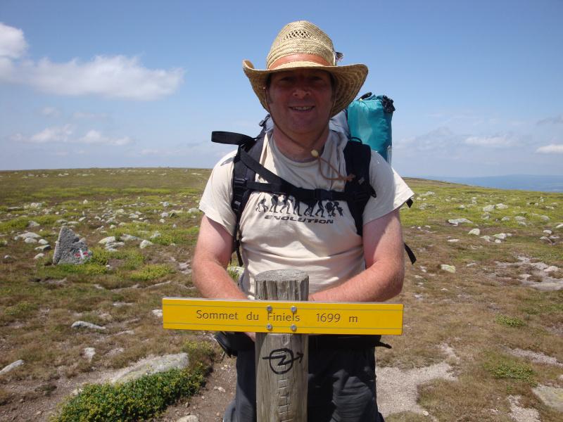 Peter (eindelijk) bovenop de Mont Lozère, Le Sommet de Finiels, 1699 meter.