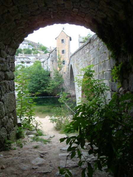 le pont et l\'entree á la petit plage de Le Pont-de-Montvert