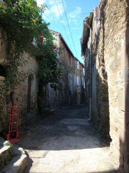 net als Stevenson domweg gelukkig  in de Rue de la Calssade in Saint-Germain-de-Calberte